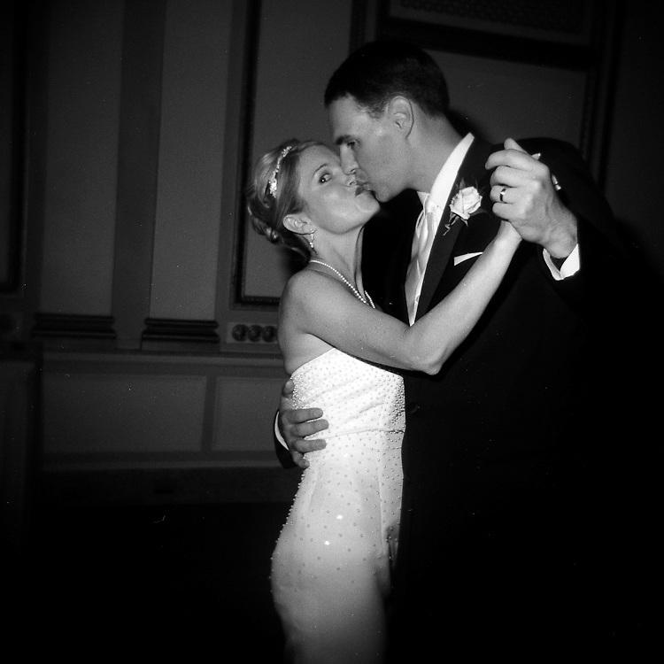 wedding, kiss, dance