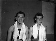 National Junior Boxing Championships.18/12/1952<br /> J. Farrell, (Crumlin) RIGHT, Bantamweight runner up. L. McCurtain, (Avona) Bantamweight winner on left.