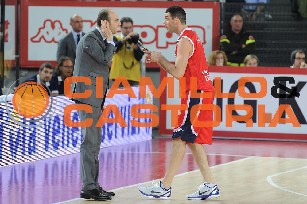 DESCRIZIONE : Roma Lega A 2010-11 Lottomatica Virtus Angelico Biella<br /> GIOCATORE : Massimo Cancellieri<br /> SQUADRA : Lottomatica Virtus Roma Angelico Biella<br /> EVENTO : Campionato Lega A 2010-2011 <br /> GARA : Lottomatica Virtus Roma Angelico Biella<br /> DATA : 10/04/2011<br /> CATEGORIA : Fair play<br /> SPORT : Pallacanestro <br /> AUTORE : Agenzia Ciamillo-Castoria/GiulioCiamillo<br /> Galleria : Lega Basket A 2010-2011 <br /> Fotonotizia : Roma Lega A 2010-11 Lottomatica Virtus Roma Angelico Biella<br /> Predefinita :