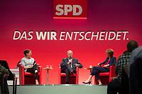 16 JUN 2013, BERLIN/GERMANY:<br /> Gertrud Steinbrueck (L), Ehefrau des Kanzlerkadidaten, und Peer Steinbrueck (M), SPD Kanzlerkandidat, und Bettina Boettinger (R), Moderatorin, im Dialog, SPD-Parteikonvent, Tempodrom<br /> IMAGE: 20130616-01-096<br /> KEYWORDS: Peer STeinbrück, Gertrud Steinbrück, Gespräch, Bettina Böttinger