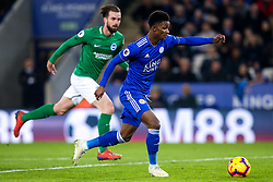 Demarai Gray of Leicester City runs through on goal and scores a goal to make it 1-0 - Mandatory by-line: Robbie Stephenson/JMP - 26/02/2019 - FOOTBALL - King Power Stadium - Leicester, England - Leicester City v Brighton and Hove Albion - Premier League