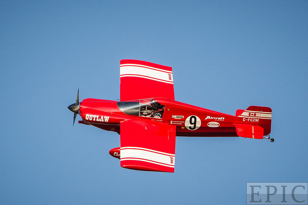 RENO, NV - SEPTEMBER 15: #9 Scott Holmes during todays formula one heat at the Reno Championship Air Races on September 15, 2017 in Reno, Nevada. (Photo by Jonathan Devich/Getty Images) *** Local Caption *** Scott Holmes