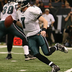 13 January 2007:  Philadelphia Eagles quarterback Jeff Garcia runs with the ball during a 27-24 win by the New Orleans Saints over the Philadelphia Eagles in the NFC Divisional round playoff game at the Louisiana Superdome in New Orleans, LA. The win advanced the New Orleans Saints to the NFC Championship game for the first time in the franchise's history.