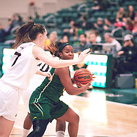 3rd year guard, Kyia Giles (6) of the Regina Cougars during the Women's Basketball Home Game on Sat Dec 01 at Centre for Kinesiology,Health and Sport. Credit: Arthur Ward/Arthur Images