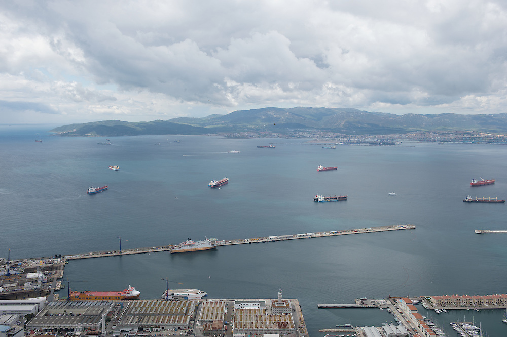 Heavy maritime traffic in Algeciras Bay<br /> Tankers and container ships