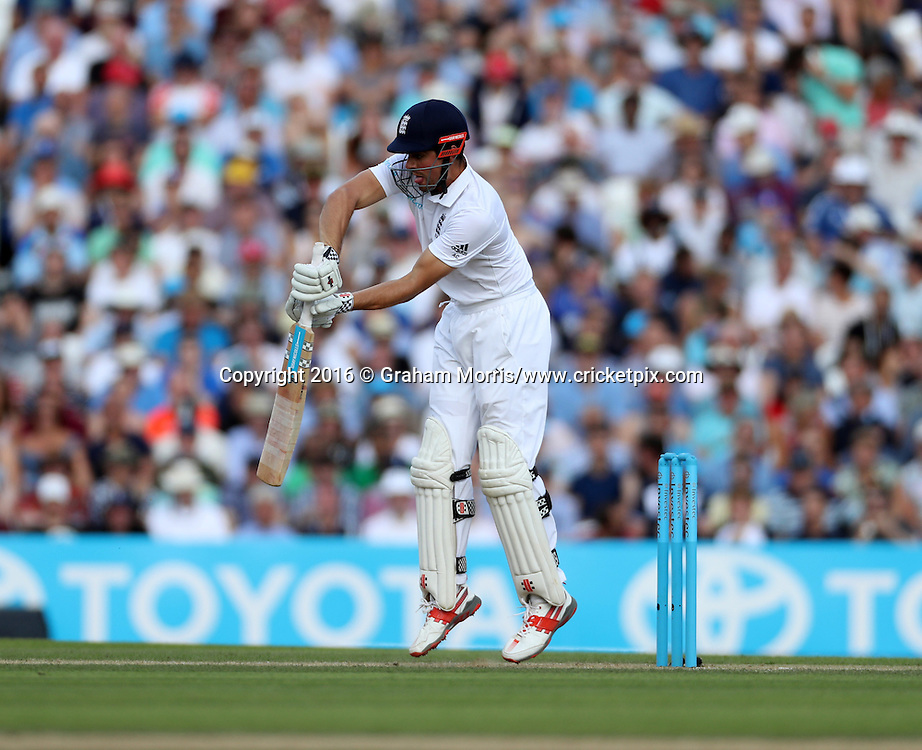 Alastair Cook out to Wahab Riaz during the 4th Investec Test Match between England and Pakistan at the Kia Oval. Photo: Graham Morris/www.cricketpix.com (Tel:+44(0)20 8969 4192; Email: graham@cricketpix.com) 13/08/2016