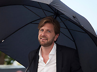 Director Ruben Ostlund at the The Square film photo call at the 70th Cannes Film Festival Saturday 20th May 2017, Cannes, France. Photo credit: Doreen Kennedy