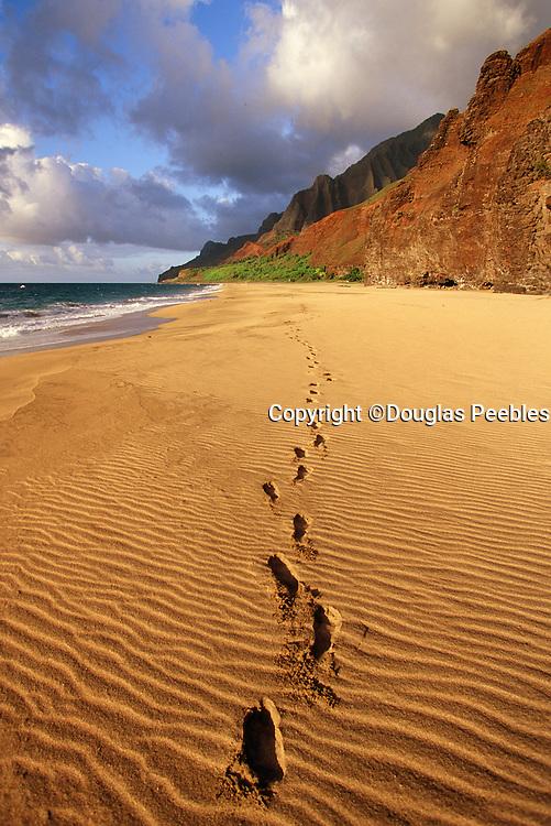 Footprints, Kalalau Beach, Napali Coast, Kauai, hawaii