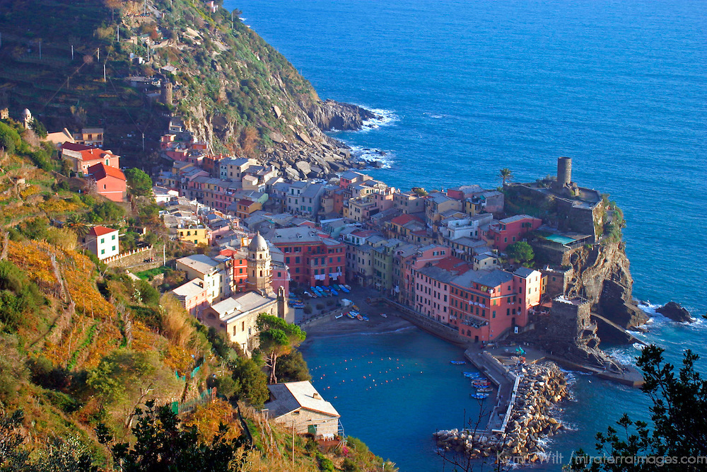 Europe, Italy, Vernazza. Cinque Terre town of Vernazza.