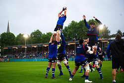 Forwards practise their lineout during the pre-match warm-up - Mandatory byline: Patrick Khachfe/JMP - 07966 386802 - 24/08/2018 - RUGBY UNION - The Recreation Ground - Bath, England - Bath Rugby v Scarlets - Pre-season friendly