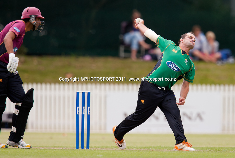 Stag's Peter Borren bowls during the Ford Trophy Cricket - Northern Knights v Central Stags one day match, at Seddon Park, Hamilton, New Zealand, 11 December 2011. Photo: Stephen Barker/photosport.co.nz
