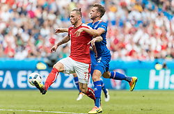 23.06.2016, Stade de France, St. Denis, FRA, UEFA Euro 2016, Island vs Oesterreich, Gruppe F, im Bild Marko Arnautovic (AUT), Kari Arnason (ISL) // Marko Arnautovic (AUT) Kari Arnason (ISL) during Group F match between Iceland and Austria of the UEFA EURO 2016 France at the Stade de France in St. Denis, France on 2016/06/23. EXPA Pictures © 2016, PhotoCredit: EXPA/ JFK