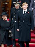 8-11-2015 LONDON -  The Duchess of Cambridge kate and Queen Maxima  and princess Sofie , Tim Lawrence , King Willem Alexander and The Queen Elizabeth and Prince William , Prince Harry  during on Remebrance Day during a service at the Cenotaph in Whitehall, London, Britain, 08 November 2015 .   Remembrance sunday COPYRIGHT ROBIN UTRECHT<br /> Koningin Maxima (R) staat samen met Catherine (Kate), hertogin van Cambridge, op het balkon van het ministerie van Buitenlandse Zaken tijdens de Britse Dodenherdenking. Bij de Cenotaph in Whitehall in Londen worden jaarlijks op de tweede zondag van november alle gesneuvelde Britse en Gemenebest-militairen herdacht. Koning Willem-Alexander en de Britse koningin Elizabeth nemen deel aan de Britse Dodenherdenking. Koning legt krans tijdens #RemembranceSunday in Londen om VK te bedanken voor hun rol bij bevrijding van Nederland