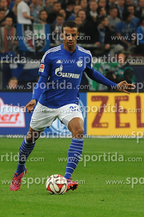 11.04.2015, Veltins Arena, Gelsenkirchen, GER, 1. FBL, Schalke 04 vs SC Freiburg, 28. Runde, im Bild Joel Matip ( Schalke 04 ) // during the German Bundesliga 28th round match between Schalke 04 and SC Freiburg at the Veltins Arena in Gelsenkirchen, Germany on 2015/04/11. EXPA Pictures &copy; 2015, PhotoCredit: EXPA/ Eibner-Pressefoto/ Thienel<br /> <br /> *****ATTENTION - OUT of GER*****