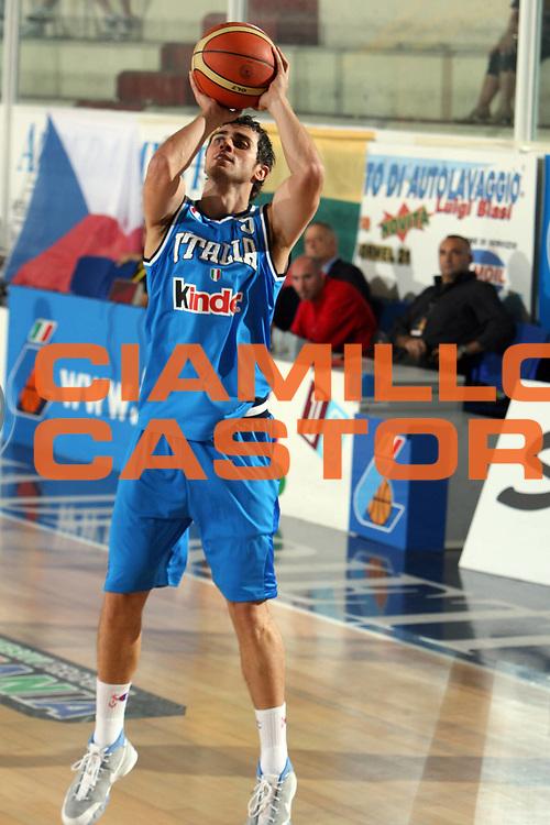 DESCRIZIONE : Rieti Torneo Internazionale Lazio 2006<br /> GIOCATORE : Maresca<br /> SQUADRA : Italia<br /> EVENTO : Rieti Torneo Internazionale Lazio 2006<br /> GARA : Italia Venezuela<br /> DATA : 20/06/2006 <br /> CATEGORIA : Tiro<br /> SPORT : Pallacanestro <br /> AUTORE : Agenzia Ciamillo-Castoria/E.Castoria