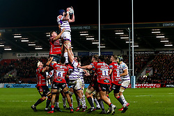 Will Spencer of Leicester Tigers wins the ball at a line out - Mandatory by-line: Robbie Stephenson/JMP - 16/11/2018 - RUGBY - Kingsholm - Gloucester, England - Gloucester Rugby v Leicester Tigers - Gallagher Premiership Rugby