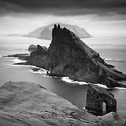 Lítli Drangur, Stóri Drangur and Tindhólmur Island, Sørvágsfjørður fjord, Vágoy