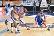 DESCRIZIONE : Cantu, Lega A 2015-16 Acqua Vitasnella Cantu' Enel Brindisi<br /> GIOCATORE : Adrian Banks<br /> CATEGORIA : Palleggio blocco<br /> SQUADRA : Enel Brindisi<br /> EVENTO : Campionato Lega A 2015-2016<br /> GARA : Acqua Vitasnella Cantu' Enel Brindisi<br /> DATA : 31/10/2015<br /> SPORT : Pallacanestro <br /> AUTORE : Agenzia Ciamillo-Castoria/I.Mancini<br /> Galleria : Lega Basket A 2015-2016  <br /> Fotonotizia : Cantu'  Lega A 2015-16 Acqua Vitasnella Cantu'  Enel Brindisi<br /> Predefinita :