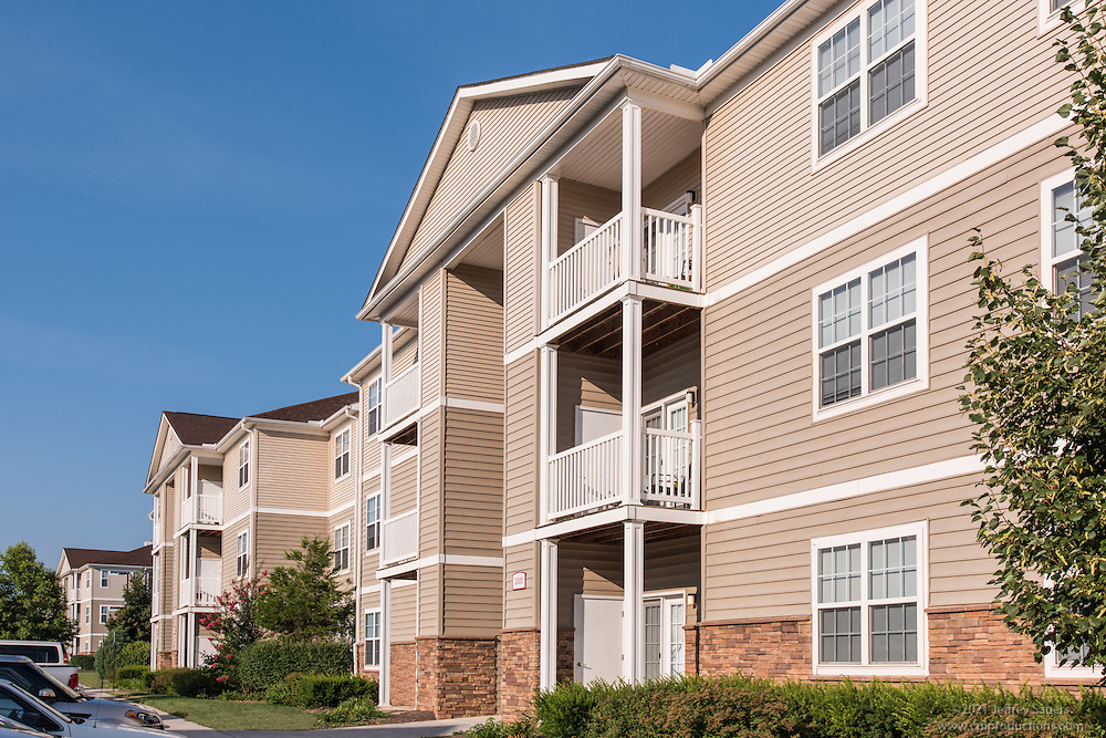Architectural image of Lee Trace Apartments in Martinsburg West Virginia by Jeffrey Sauers of Commercial Photographics, Architectural Photo Artistry in Washington DC, Virginia to Florida and PA to New England