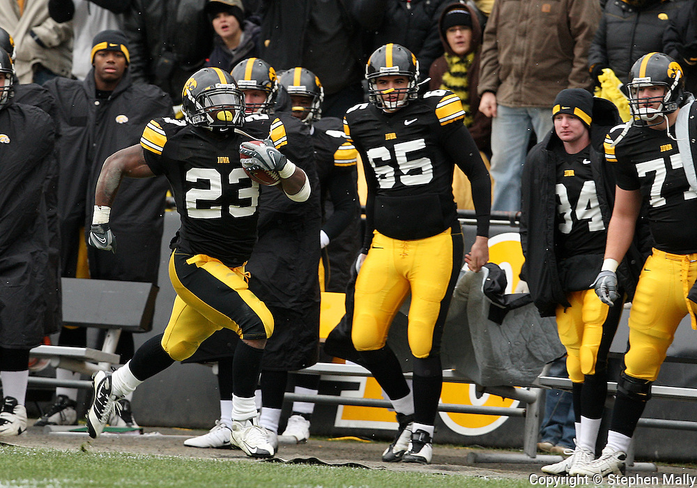 15 NOVEMBER 2008: Iowa running back Shonn Greene (23) runs down field for a 75 yard touchdown in the first half of an NCAA college football game against Purdue, at Kinnick Stadium in Iowa City, Iowa on Saturday Nov. 15, 2008. Iowa beat Purdue 22-17.