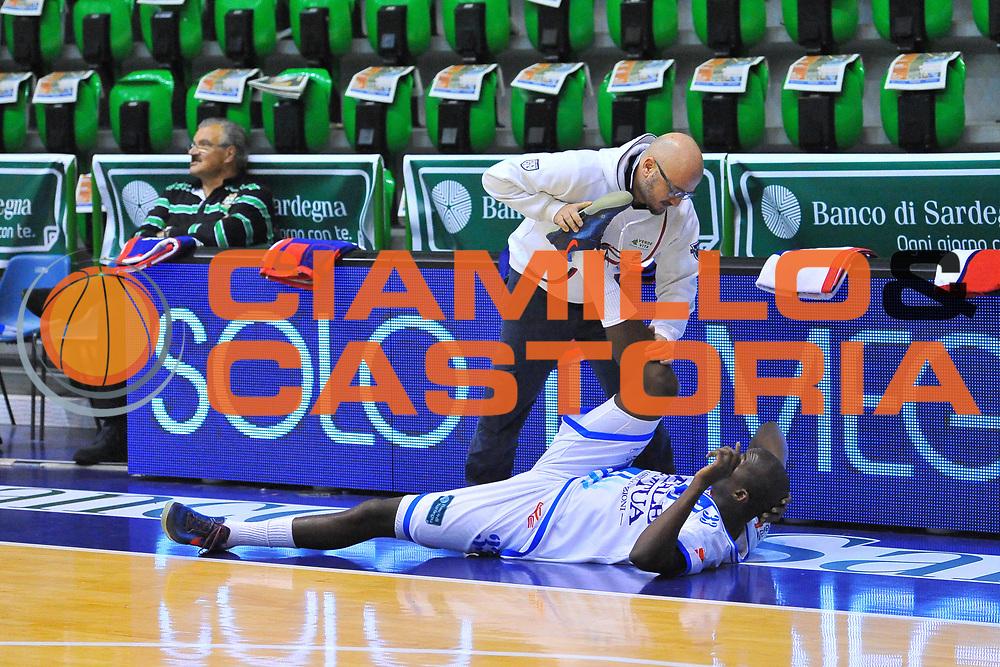 DESCRIZIONE : Campionato 2013/14 Dinamo Banco di Sardegna Sassari - Virtus Granarolo Bologna<br /> GIOCATORE : Matteo Boccolini Omar Thomas<br /> CATEGORIA : Stretching<br /> SQUADRA : Dinamo Banco di Sardegna Sassari<br /> EVENTO : LegaBasket Serie A Beko 2013/2014<br /> GARA : Dinamo Banco di Sardegna Sassari - Virtus Granarolo Bologna<br /> DATA : 19/01/2014<br /> SPORT : Pallacanestro <br /> AUTORE : Agenzia Ciamillo-Castoria / Luigi Canu<br /> Galleria : LegaBasket Serie A Beko 2013/2014<br /> Fotonotizia : Campionato 2013/14 Dinamo Banco di Sardegna Sassari - Virtus Granarolo Bologna<br /> Predefinita :