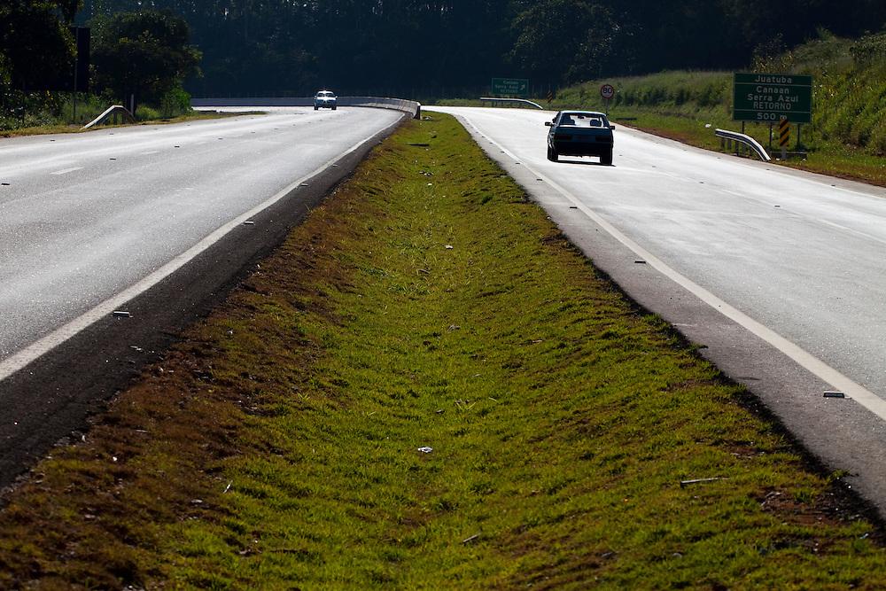 Juatuba_MG, Brasil...PPP (Parceria Publico-Privada) na concessao da MG 050...PPP (Public-Private Partnership) in the concession of MG 050...Foto: LEO DRUMOND / NITRO