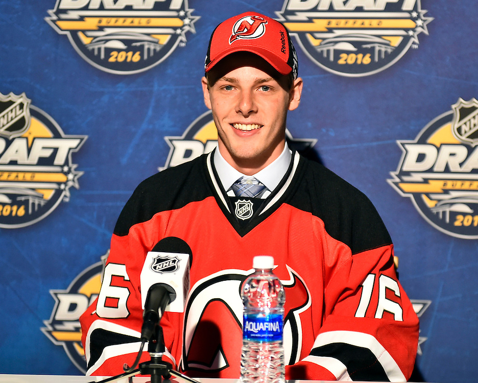 Brandon Gignac of the Shawinigan Cataractes was selected by the New Jersey Devils at the 2016 NHL Draft in Buffalo, NY on Saturday June 25, 2016. Photo by Aaron Bell/CHL Images