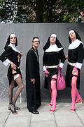 Rund zehntausend Schwule, Lesben, Trans- und Bisexuelle sind am Samstag bei der Parade zum CSD ausgelassen durch die Hamburger Innenstadt gezogen.