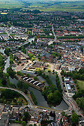 Nederland, Utrecht, Woerden, 22-05-2011; het centrum van Woerden van oudsher legerplaats en vesting, herkenbaar aan de stervorm. Onder in beeld, rond de Sint-Bonaventurakerk, het Defensie-eiland met het Kasteel van Woerden en loodsen van het voormalige Centraal Magazijn van Kleding en Uitrusting van de landmacht.  .Center of Woerden, traditional army town and fortress, identifiable by the star shape. Lower part, around the St. Bonaventure Church, the .Defence Island with Castle Woerden and barracks of the former Central Warehouse for Clothing and Equipment of the army..luchtfoto (toeslag); aerial photo (additional fee required);.foto Siebe Swart / photo Siebe Swart