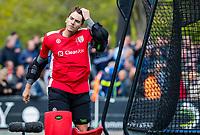 BLOEMENDAAL -  keeper Loic van Doren (Den Bosch) gaat eruit voor een vliegende keeper tijdens de hoofdklasse competitiewedstrijd hockey heren,  Bloemendaal-Den Bosch (2-1)  COPYRIGHT KOEN SUYK