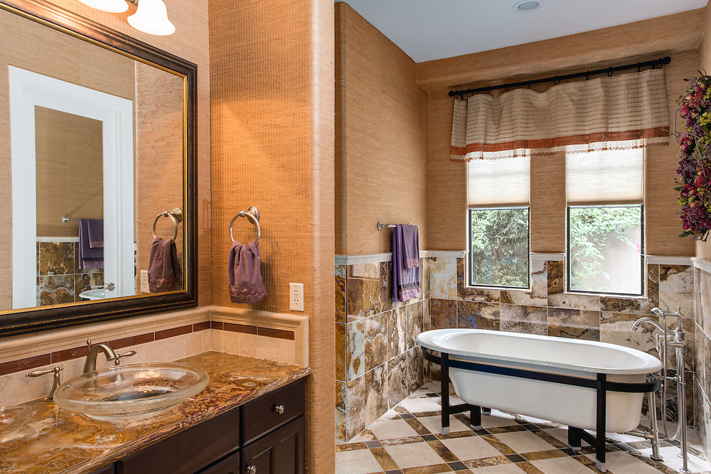North Scottsdale real estate listing photography, bathroom with bathtub