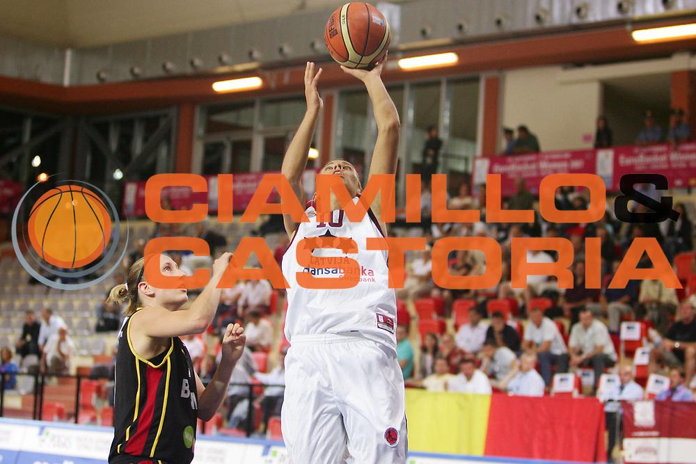 DESCRIZIONE : Vasto Italy Italia Eurobasket Women 2007 Lettonia Belgio Latvia Belgium <br /> GIOCATORE : Anete Jekabsone Zogota <br /> SQUADRA : Lettonia Latvia <br /> EVENTO : Eurobasket Women 2007 Campionati Europei Donne 2007 <br /> GARA : Lettonia Belgio Latvia Belgium <br /> DATA : 30/09/2007 <br /> CATEGORIA : Tiro <br /> SPORT : Pallacanestro <br /> AUTORE : Agenzia Ciamillo-Castoria/S.Silvestri <br /> Galleria : Eurobasket Women 2007 <br /> Fotonotizia : Vasto Italy Italia Eurobasket Women 2007 Belgium Latvia Belgio Lettonia <br /> Predefinita :