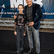 NLD/Amsterdam/20190617 - Men in Black International premiere, Robert Schoemacher en dochter Livia