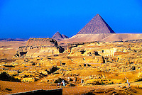 Landscape; analog; horizontal; Africa; North Africa; Egypt; scenery; pyramids; Pyramid Of Menkaure; Mycerinus; Giza; Cairo; horses; people; desert; travel; travel destination; international locations; DPS