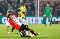ROTTERDAM - Feyenoord - Vitesse , Voetbal , Eredivisie , Seizoen 2016/2017 , De Kuip , 16-12-2016 , Feyenoord speler Tonny Vilhena (l)  Maakt tackle op Vitesse speler Marvelous Nakamba (r)