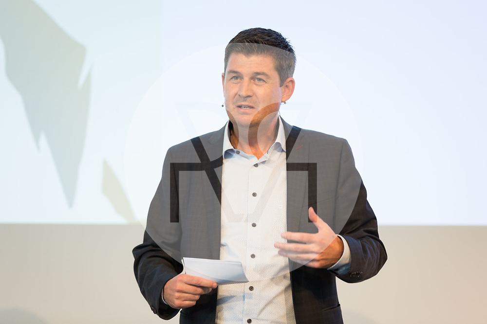 SCHWEIZ - RÜSCHLIKON - Jörg Wild, CEO Energie 360°, am Networking-Event im Gottlieb Duttweiler Institute (GDI) - 21. Juni 2017 © Raphael Hünerfauth - http://huenerfauth.ch