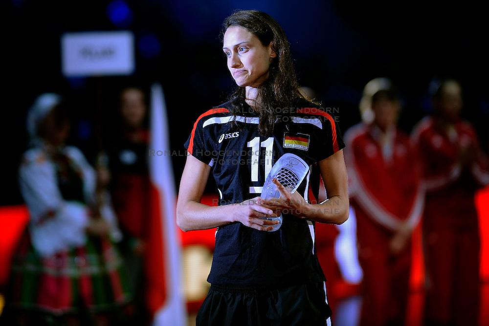 04-10-2009 VOLLEYBAL: FINALE EUROPEES KAMPIOENSCHAP NEDERLAND - ITALIE: LODZ <br /> De Nederlandse volleybalvrouwen zijn er niet in geslaagd om het goud te pakken. Italie was met 3-0 te sterk / Christiane Gurst<br /> &copy;2009-WWW.FOTOHOOGENDOORN.NL