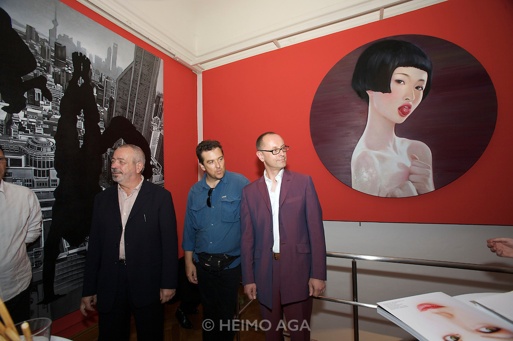 Presentation of Salon 2008 magazine at Rudolf Budja Galerie. From l.: Derek Weber (Editor-in-chief), Heimo Aga (Director of Photography), Thomas Manss (Art Director).