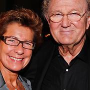 NLD/Amsterdam/20110124 - Uitreiking Beeld en Geluid awards 2010, Joop van der Ende en partner Janine Klijburg