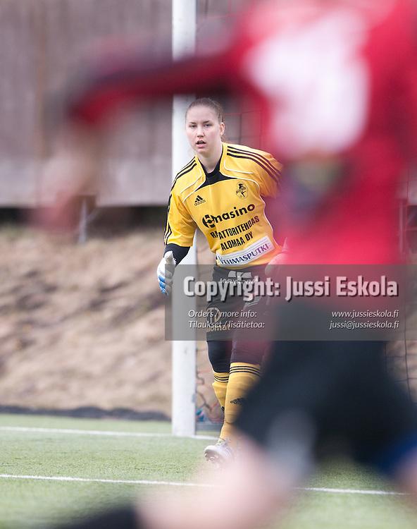 Siiri Välimaa. PK-35 - NiceFutis. Naisten liiga 21.4.2011. Photo: Jussi Eskola