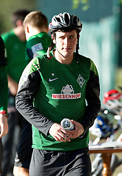11.01.2014, Trainingsplatz, Jerez de la Frontera, ESP, 1. FBL, SV Werder Bremen, Trainingslager, im Bild Zlatko Junuzovic (Bremen #16) schaute nach einer Radtour beim Trainingsplatz vorbei // Zlatko Junuzovic (Bremen #16) schaute nach einer Radtour beim Trainingsplatz vorbei during Trainingsession of German Bundesliga Club SV Werder Bremen at Trainingsplatz in Jerez de la Frontera, Spain on 2014/01/11. EXPA Pictures © 2014, PhotoCredit: EXPA/ Andreas Gumz<br /> <br /> *****ATTENTION - OUT of GER*****