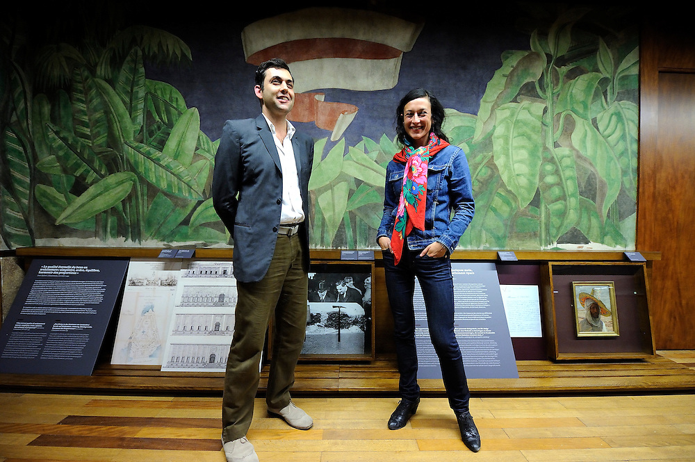 Agnès Dahan et Eric Benque respectivement graphiste et scénographe du parcours d'interprétation de l'histoire du musée de l'histoire de l'immigration lors de son inauguration, le 11 septembre 2013 au Palais de la porte dorée.