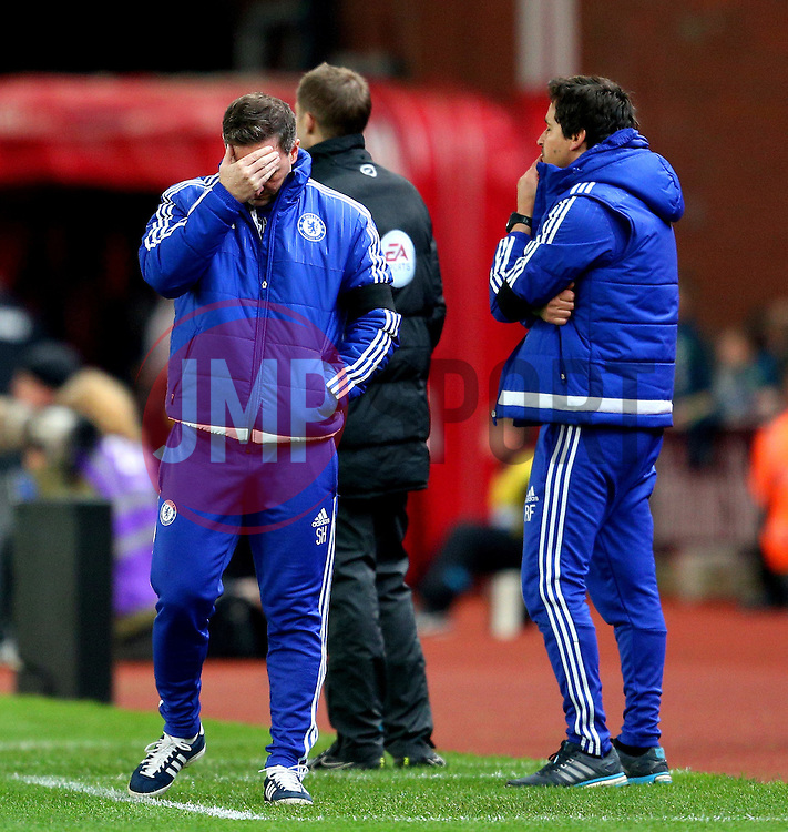Chelsea coach Steve Holland looks dejected - Mandatory byline: Matt McNulty/JMP - 07966 386802 - 07/11/2015 - FOOTBALL - Britannia Stadium - Stoke-On-Trent, England - Stoke City v Chelsea - Barclays Premier League