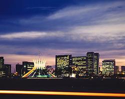 Brasilia, Distrito Federal, Brasil..Vista noturna da Catedral de Brasilia, obra de Oscar Niemeyer / Night view of Brasilia's Cathedral. .Foto ©Cesar Duarte/Argosfoto.