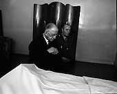 1971 - 11/05 De Valera pays last respects to Sean Lemass