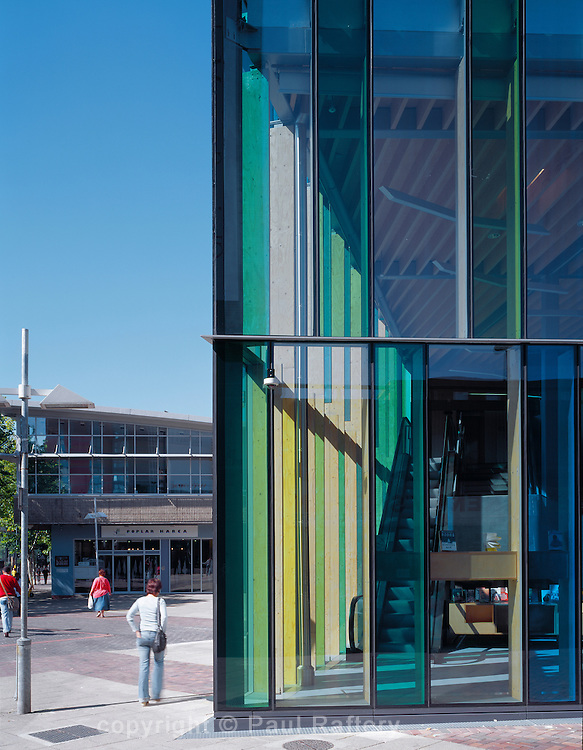 Tower Hamlets Ideas Store, Crisp Street. Architect David Adjaye