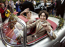 Justin Trudeau, son of the late Prime Minister Pierre Trudeau, leaves with his new bride Sophie Gregoire in his father's 1959 Mercedes 300 SEL after their marriage ceremony in Montreal Saturday, May 28, 2005.(CP PHOTO/Ryan Remiorz) /ABACAPRESS.COM    521043_033 MONTREAL Canada