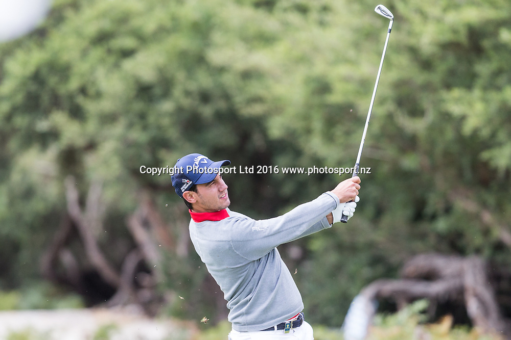 Matteo Manassero (ITA) plays a iron shot during the round 1 of the World Cup of Golf at Kingston Heath Golf Club, Melbourne Australia. Thursday 24th November 2016. Copyright Photo Brendon Ratnayake / www.photosport.nz