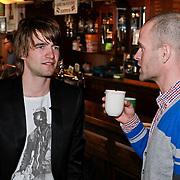 NLD/Amsterdam/20110318 - Boekpresentatie Mark Tuitert, Mark in gesprek met Erben Wennemars