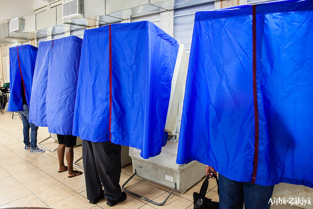 Voters at Charlotte Amalie High School. 8 September 2012.  © Aisha-Zakiya Boyd
